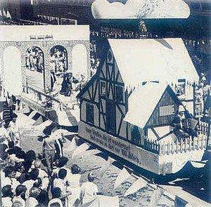 Im Dörnen im 44. Kirmeszug, im Jahr des 100jährigen Stadtjubiläum: Beckmanns Hüsken im Stefansbachtal - so war's einmal...