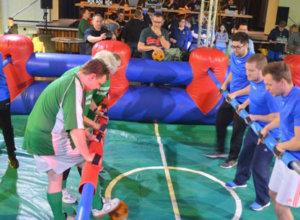 FC Bierussia verteidigt Titel beim Menschenkicker-Cup