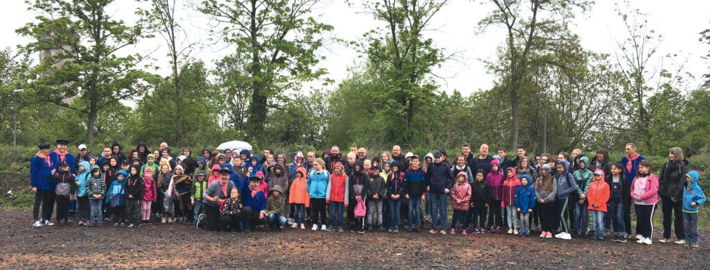 Kirmesverein Gevelsberg fährt mit 120 Kindern ins Phantasialand.